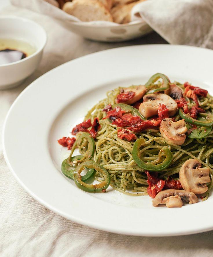 Basil Walnut Pesto with Mushrooms, Jalapeno's & Sun-Dried Tomatoes | the simple veganista