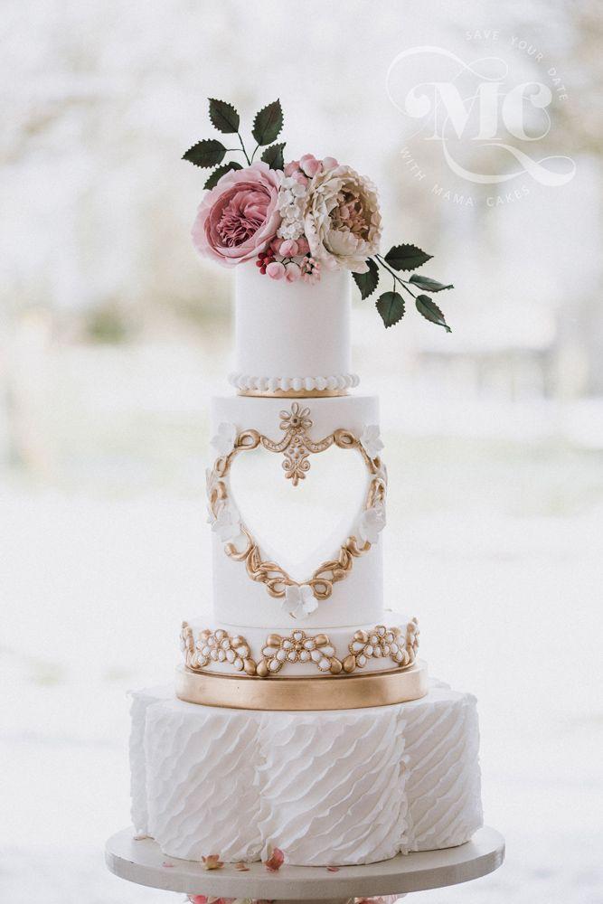 Ausgeschnitzte Herz-Hochzeitstorte von Mama Cakes Cumbria   – Romantic Wedding Cake Ideas