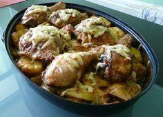 Labužnícke kura (fotorecept) 2 kg zemiaky 215 g nakrajane na platky sampiňóny 1 ČL masť bravč 250 ml smotana na varenie alebo smotana sladká 150 g strúh syr údený 1 ks gril zmes na kura 3 ks stehná kur vrchné 3 ks stehná kur dolné 2 ČL soľ 1 ČL čerstvé mčk 1 ČL paprika červ mletá podľa chuti rasca Plech vymastíme bravč masťou. Zemiaky ochutíme+šampiňóny, premiešame a na vrch postrúh syr, zalejeme smotanou, stehná kožou dole, prikryjeme alobalom na 220° 30 min, odkryt otočit dopiecť