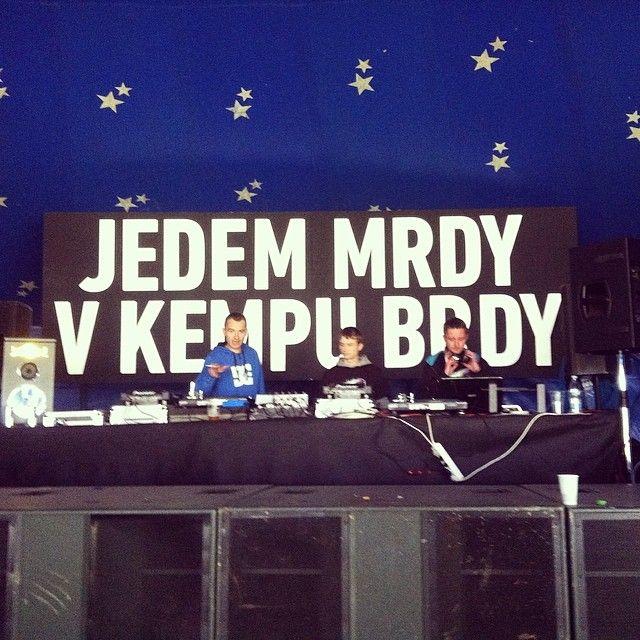 Léto je tady a my jedem mrdy v kempu Brdy! @lzgproduction #redbull #soundfeer #summer #events #music #electromusic #lzgproduction