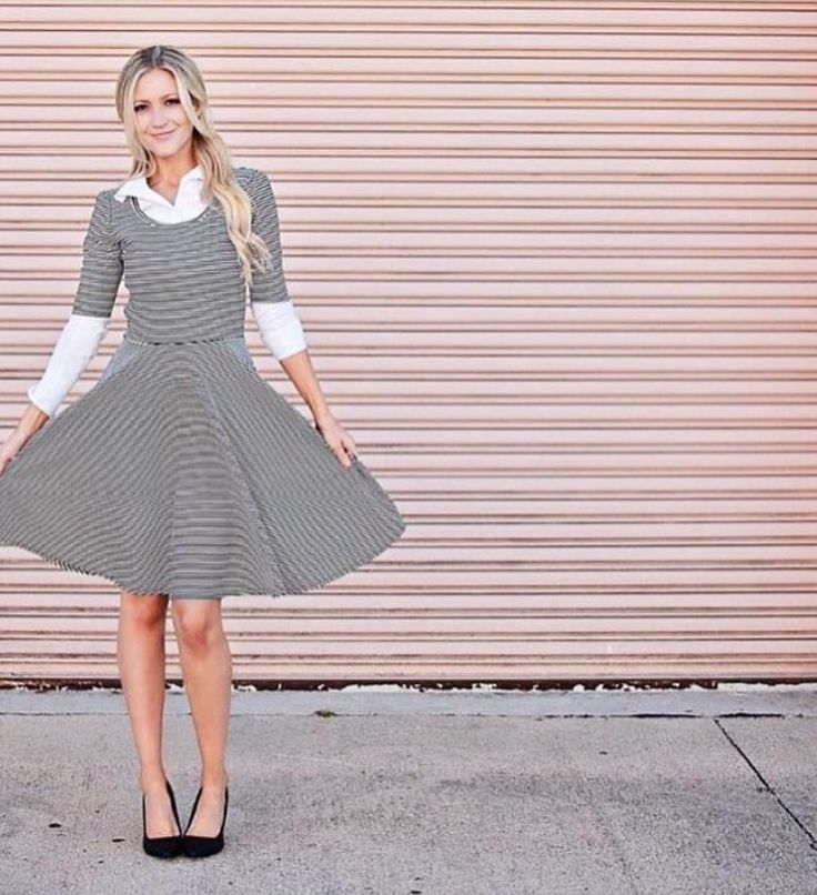 I have a dress like this, I look forward to trying the layering!