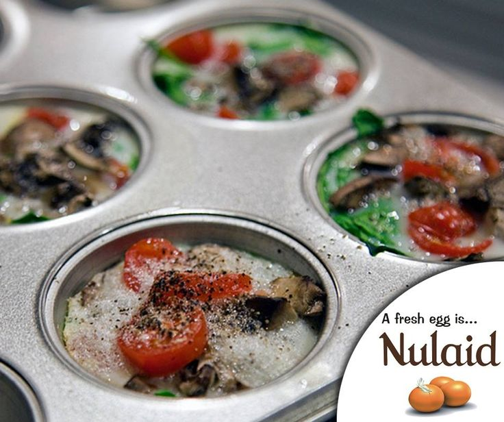 #Lifehack: Cook eggs in muffin pans with a few other ingredients to make delicious vegetable-egg bites. It's healthy and perfect to enjoy any time of the day. For the full recipe of these Tomato, Mushroom and Spinach Egg White Bites, click here: http://ablog.link/4nb. Source: Spoon University. #Nulaid