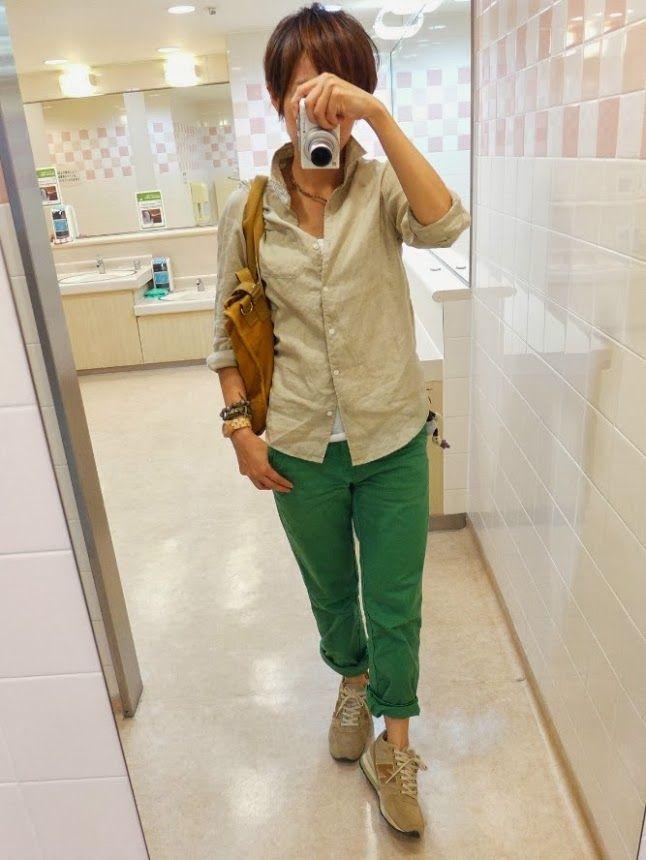 今日も忙し。 体の回復と共に、また外からいろんなモノが流入してくる。  Shirt/UNIQLO Bottoms/GAPKIDS Bag/HEMING'S ORNE Shoes/NB  Today is Boys style of beige and green.