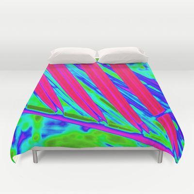 HOT PINK tropical fun!! Lightweight duvet covers vividly featuring a stunning design.