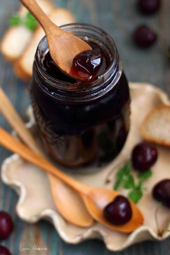 Dulceata de Cirese reteta. Mod de preparare si ingrediente dulceata de cirese si tonka. Borcane de dulceata de cirese. Reteta clasica dulceata