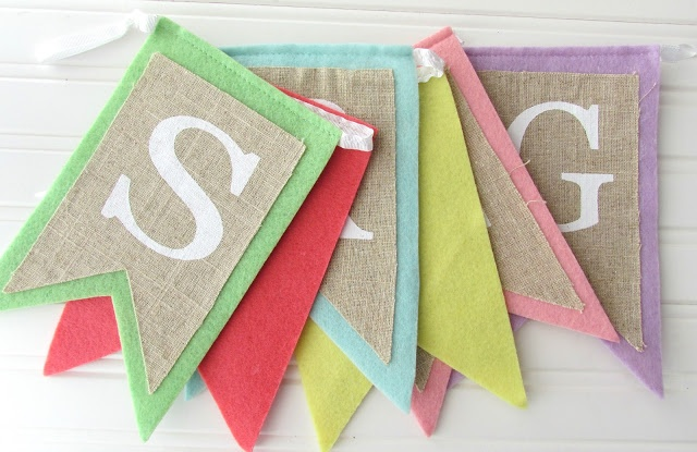 Ribbons & Glue: Spring Burlap and Button Banner...