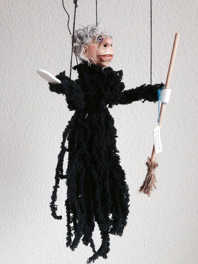 Witchy III., eine von Vielen, jedoch wie jede einzigartig. Unsere Hexenkollektion, - handgearbeitet.