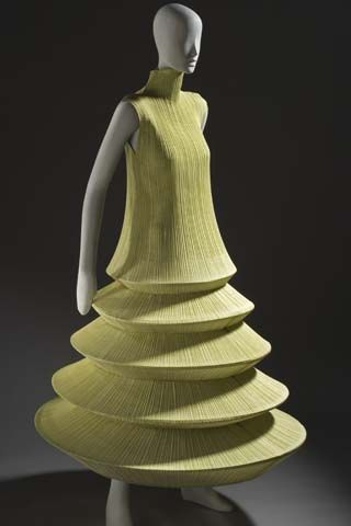 """Minaret"" Dress by Issey Miyake | Breaking the Mode"