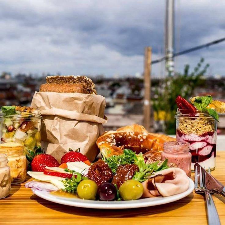 """Gefällt 41 Mal, 1 Kommentare - Klunkerkranich (@klunkerkranich) auf Instagram: """"Wir geniessen jetzt täglich von 10 bis 16 Uhr unser Frühstück aufm Dach! <3 Kommt rum!"""""""