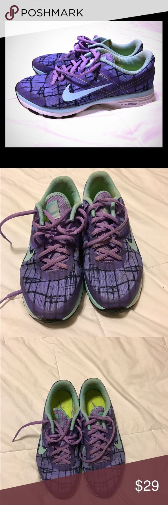 Nike Dual Fusion Nike Dual Fusion. Size 6.5. Great condition! Nike Shoes Sneakers