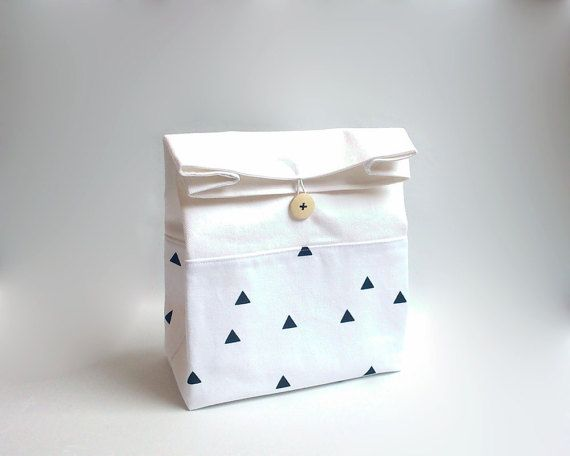 Lunch bag with handle / Lunch bag for woman / White lunch bag / Black triangles lunch bag / Sac déjeuner