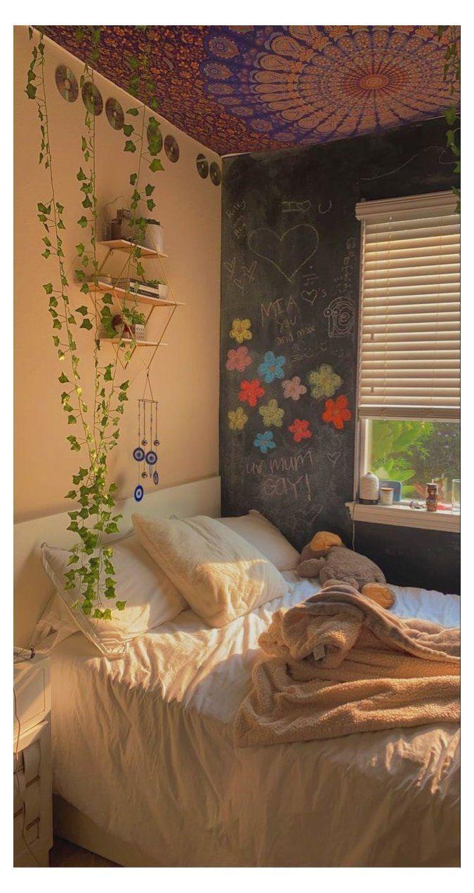 Indie Bedroom, Indie Room Decor, Cute Room Decor, Aesthetic Room Decor, Hipster Room Decor, Aesthetic Indie, Room Design Bedroom, Room Ideas Bedroom, Bedroom Inspo