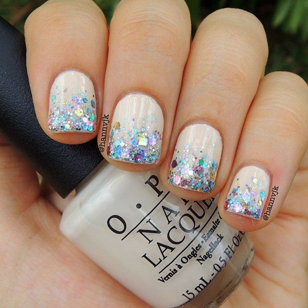 Snow White Nails: 1000+ Ideas About Glitter Nail Tips On Pinterest