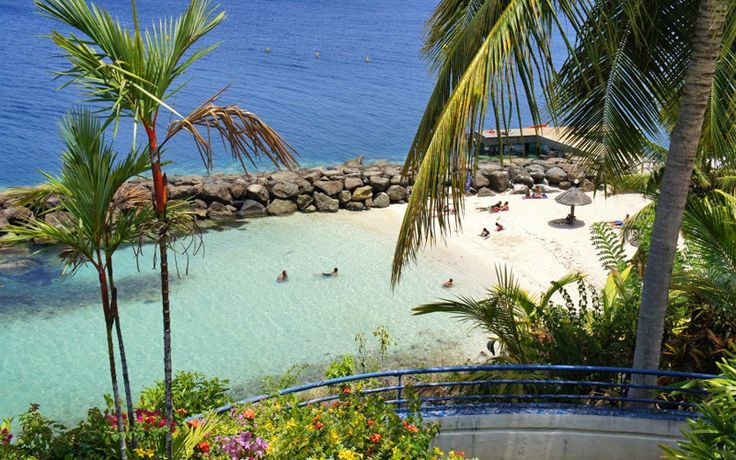 Batelière hotel has a beautiful beach that will not leave you indifferent…