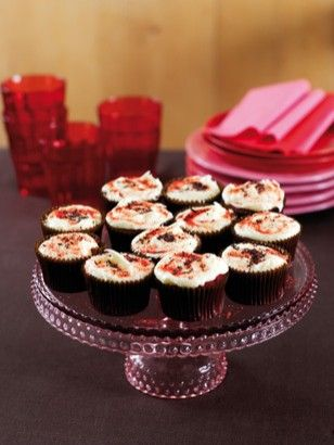 RED VELVET CUPCAKES http://www.nigella.com/recipes/view/red-velvet-cupcakes