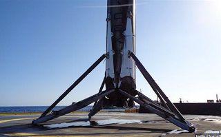 Planet Stars: Δεύτερη επιτυχής επιστροφή πυραύλου της SpaceX σε ...