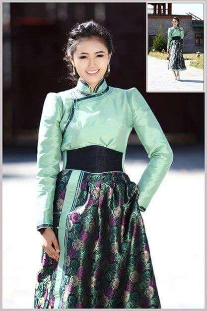 Mongolian Women Fashion
