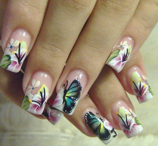 Flor y mariposa Nails