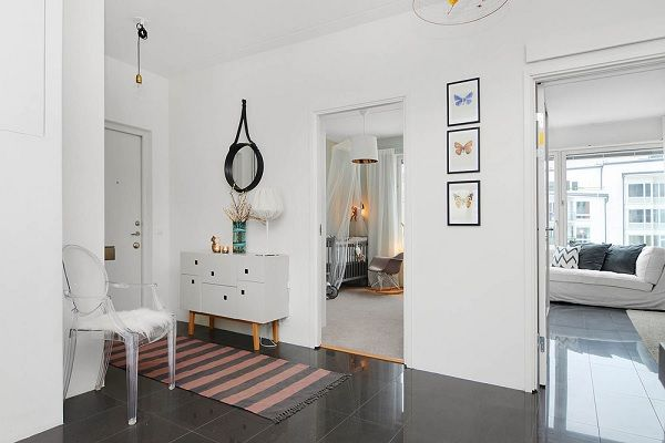 Stockholm apartament - white hall
