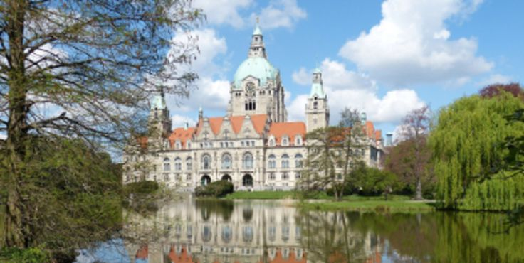 Machen Sie einen Kurzurlaub in Hannover und erleben Sie alte Kirchen, gotische Bauromantik und kulturelle Veranstaltungen. Jetzt buchen.