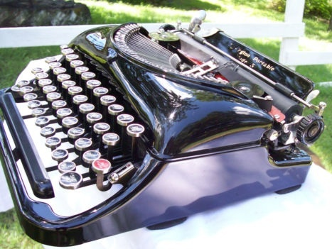 oz.Typewriter: Dusty and Rusty: Old Remington Portable Typewriters for Sale (Pictured is a Remington Model 5, beautifully restored.  Hot!