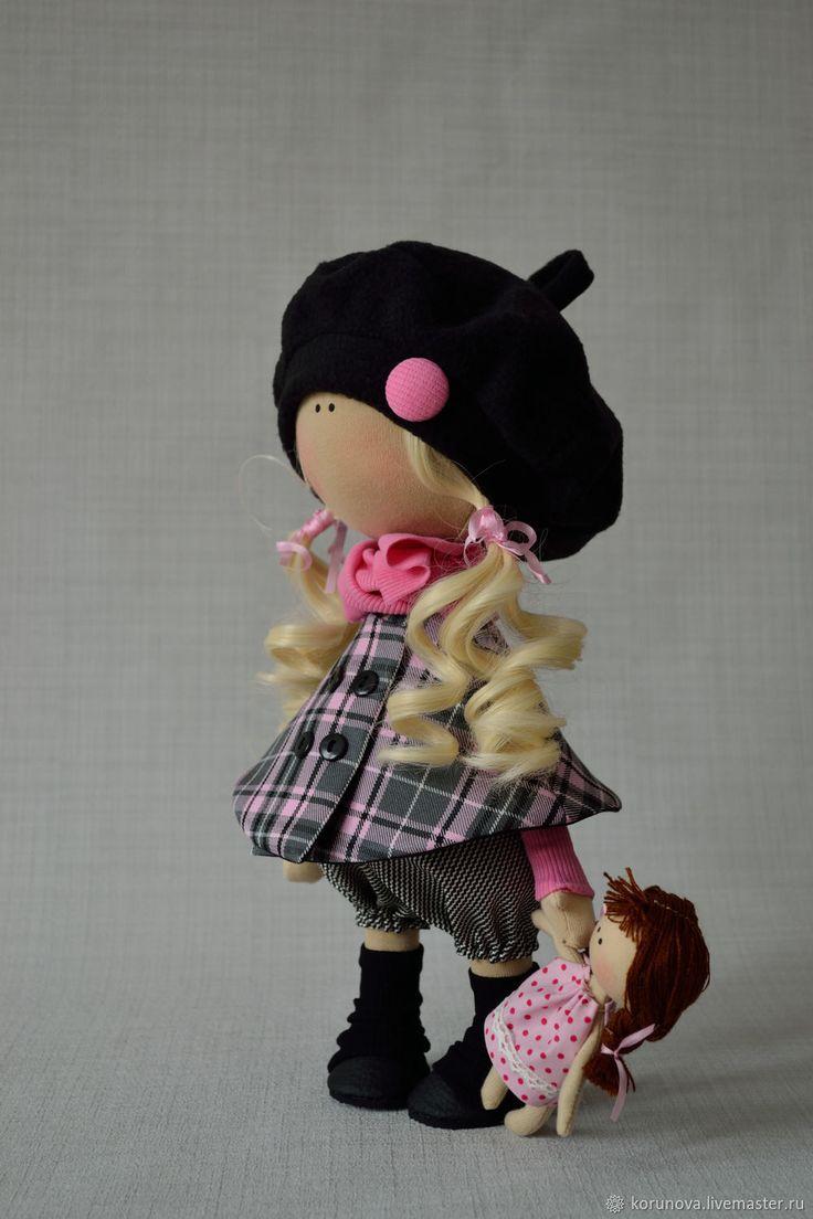 Купить Девочка с куклой - розовый, черный, берет, хвостики, кукла, осень, интерьерная игрушка