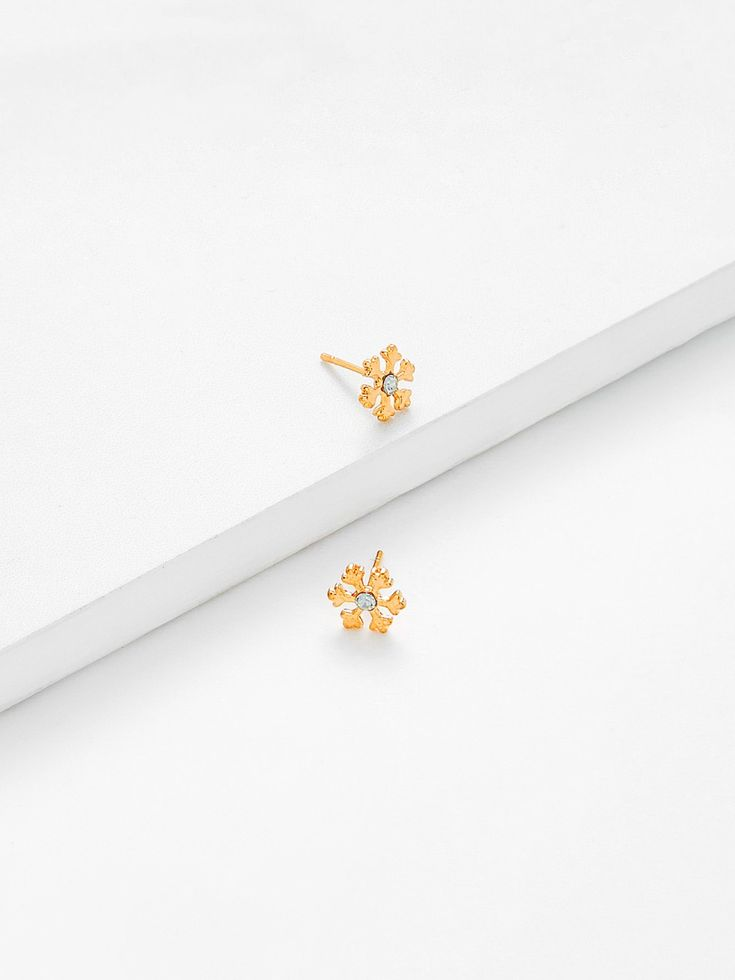 Gemstone. Gold colored metal. Stud Perfect choice for Casual, Cute wear. Designed in Gold.