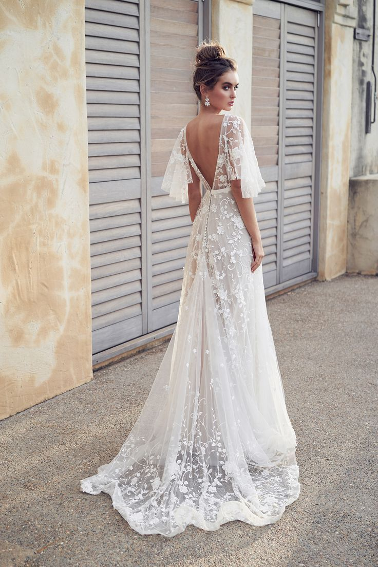 3d Floral Embroidered V Neck A Line Wedding Dress With Draped Sleeves Kleinfel 3d Aline Dra Boho Wedding Dress Lace Wedding Dresses Backless Wedding [ 1104 x 736 Pixel ]