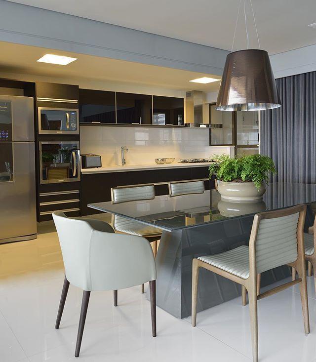 Mesa Jantar Petra da Coleção Hadra na Cozinha Integrada a Sala de Jantar !✨…