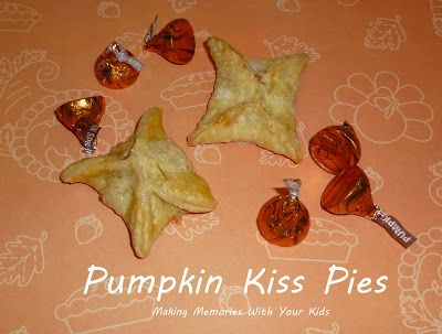 Pumpkin Kiss Pies...these are so cute, great for a Holiday party