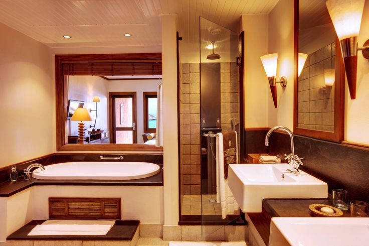 The bathroom of Heritage Awali Golf & Spa resort in Mauritius