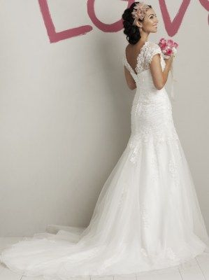 Dropped waist wedding gown with lace bodice and tulle skirt, Sweetheart -5972