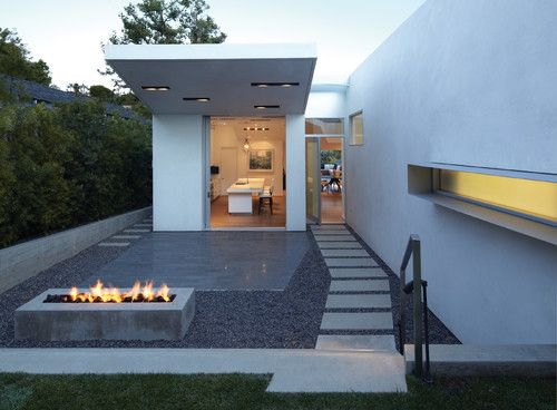 modern landscape by Griffin Enright Architects: Modern Gardens, Landscape Design, The Angel, Santa Monica, Enright Architects, Outdoor Fireplaces, Fire Pit Design, Outdoor Design, Griffins Enright