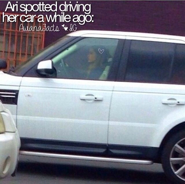 Photo of Ariana Grande Range Rover - car