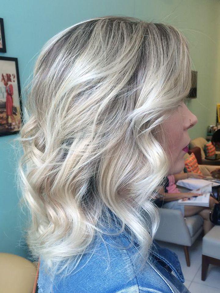 Blonde Loira Cabelo loiro Short hair Blonde short hair Cabelo curto Ondulado