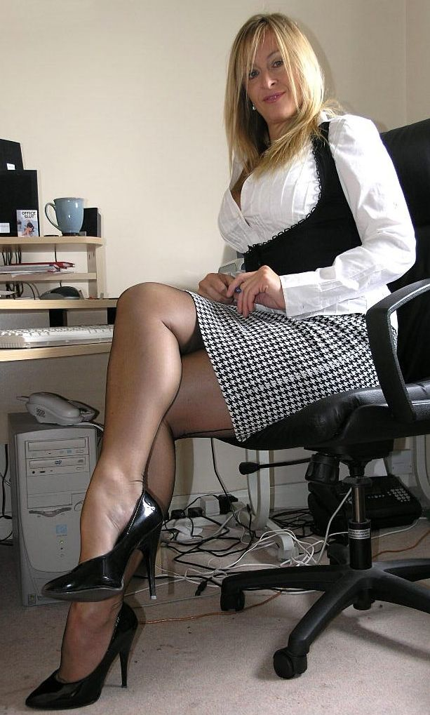 Wow alluring x 55 sexual pantyhose 56