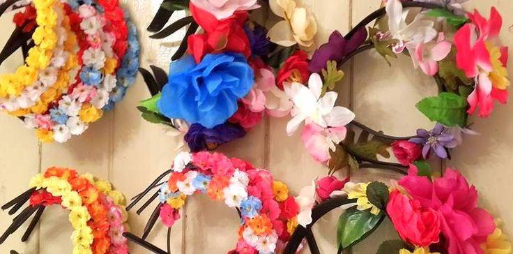Vinchas con Flores. #Wedding #Coronas #FlowerCrown #Cotillon #Vinchas #Disfraz #Eventos www.facebook.com/accesorioscoronada