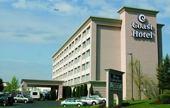 ssvs hotels the coast gateway hotel is located right next. Black Bedroom Furniture Sets. Home Design Ideas