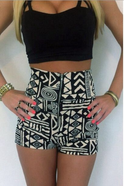 CUTE GEOMETRIC AZTEC SHORTS WITH BLACK CROPPED TOP