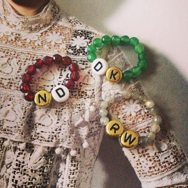 Half edelsteen ringen met je initialen! facebook.com/NovaDali