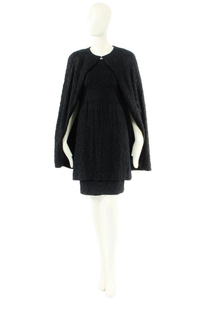 A Balenciaga Haute Couture three piece dress. Circa 1964. #vintage #fashion #Balenciaga