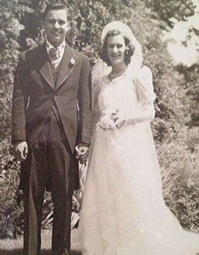 Svadobná fotografia manželov Toczkových.