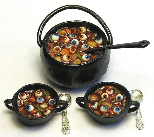 Miniature: Original pinner sez: Eyeball stew | by the amazing Kiva Atkinson, best miniature food artisan working today. Flickr - Photo Sharing!