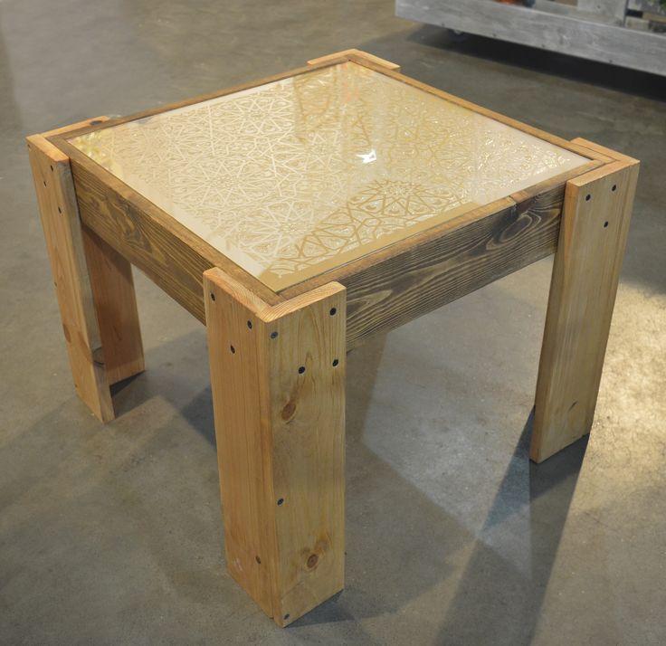 Столик из серии Goldie. Столешница - золотой витраж с восточными мотивами.