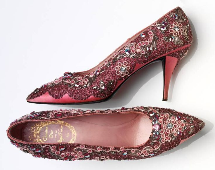 Evening shoe, beaded silk and leather, France, 1958-60 by Roger Vivier (1907–98) for Christian Dior (1905–1957) © Victoria and Albert Museum, London