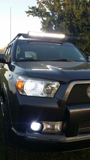 "My 2011 4RUNNER with a 32"" roof mounted LED light bar."