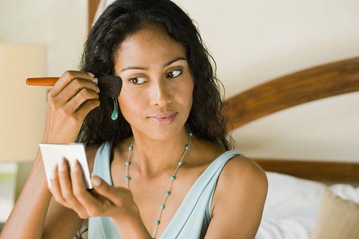 Sugerencias de maquillajes para los pómulos altos | Muy Fitness