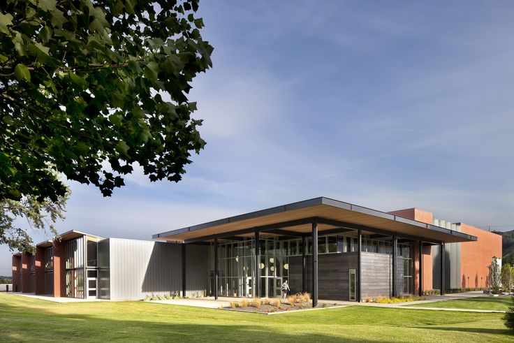Gallery of Wenatchee Valley College Music and Arts Center / Integrus Architecture - 15