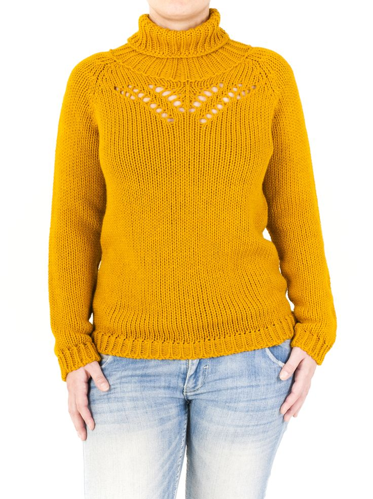 Jersey de punto confeccionado en canalé con un envolvente cuello cisne. Diferente a todos los demás y disponible en hasta 8 colores. ¡Increíble!