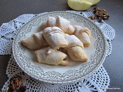 Mijn mixed kitchen: Elmalı kurabiye (Turkse opgerolde appelkoekjes)